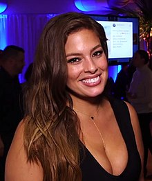 Ashley Graham at SI Swim City 2016.jpg