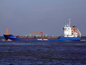 Atlantis Alvarado IMO 9268174 leaving Port of Rotterdam, Holland 25-Jan-2007.jpg