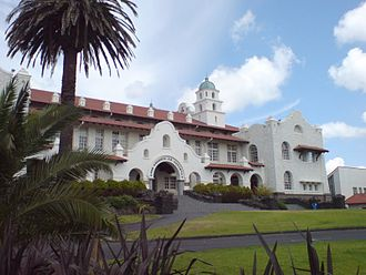 Auckland Grammar School - The school is built in 'Spanish Mission' style architecture.