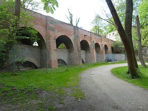 Augsburg Aquädukt am Roten Tor. Blick vom Stadtgraben