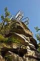 Aussichtsplattform am Mandlstein von unten.jpg