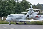 Avcon Jet AG Bombardier Challenger 300 OE-HCZ at LSZH (17941905611).jpg