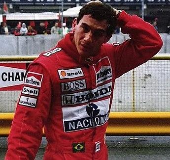Ayrton Senna en el circuito de Ímola durante el Gran Premio de San Marino de 1989