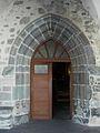 Bagnols (63) église portail.JPG