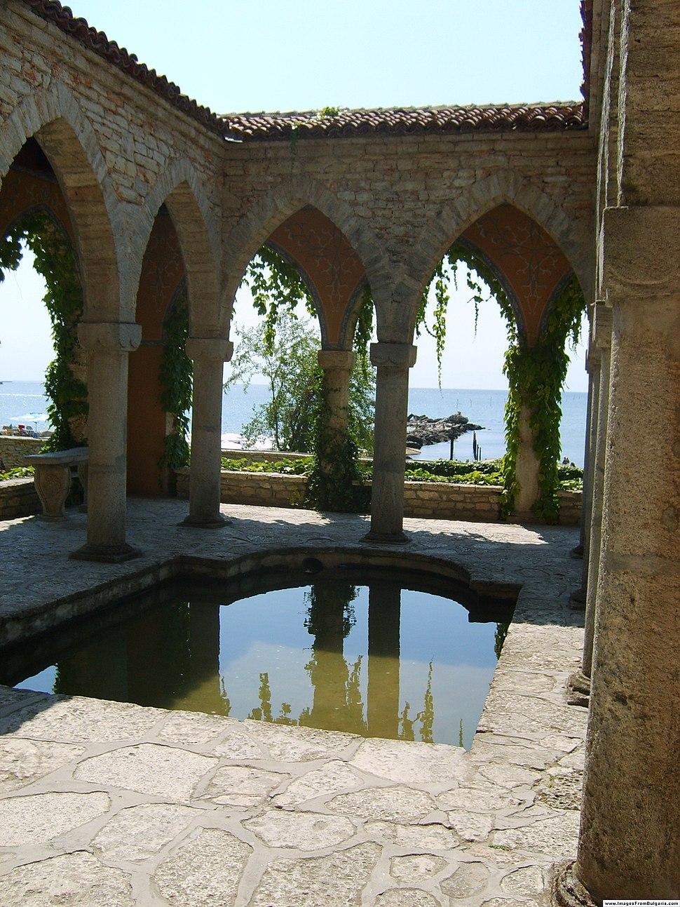 Balchik Palace baths ifb