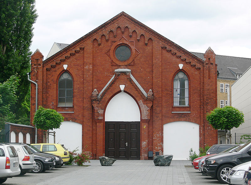 File:Baptistenkirche Wedding.jpg - Wikimedia Commons