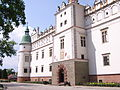 Baranów Sandomierski. Pałac. Fronton.JPG