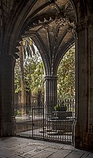 Barcelona Cathedral - The fountain of the cloister.jpg