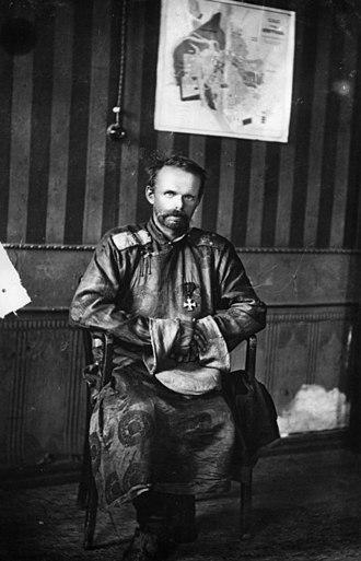 Roman von Ungern-Sternberg - Roman Fyodorovich von Ungern-Sternberg in 1921, in a Mongolian deel uniform with Russian Order of St. George 4th Class