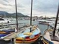 Barques catalanes dans le port de Banyuls.jpg
