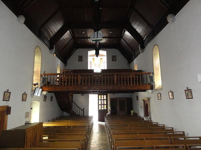 Bassussarry interieur de l'église avec balcon
