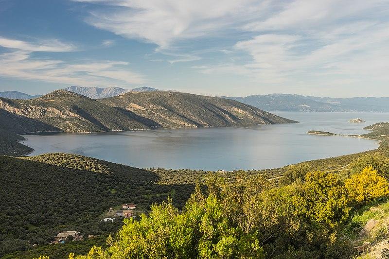 File:Bay of Skroponeria, Boeotia, central Greece.jpg