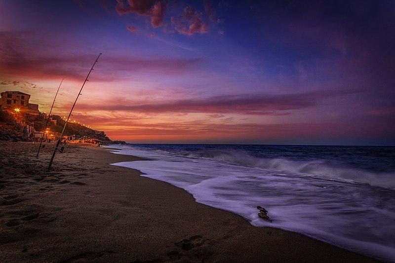 File:Beach Aïn taya.jpg