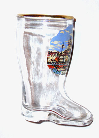 Drinking from shoes - A glass Bierstiefel