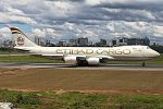 Boeing 747-800F.jpg