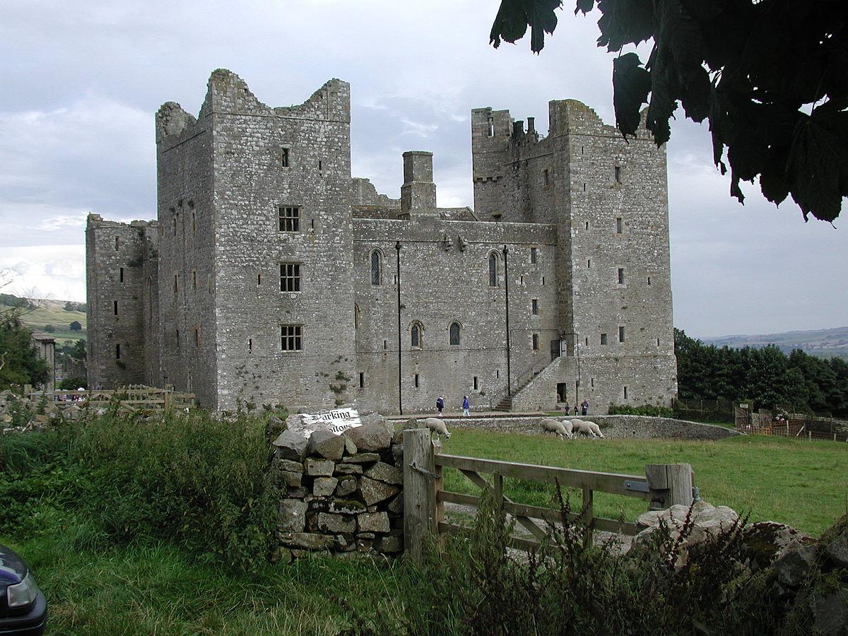 Quadrangular Castle Wikipedia