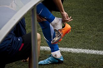 Nike Mercurial Vapor - Javier Portillo putting on the boot during a Hércules match in the 2010–11 season.