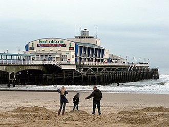 Bournemouth Pier including the Pier Theatre Bournemouth Pier - geograph.org.uk - 1088741.jpg