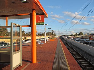 Bull Creek railway station - Northbound view in July 2012
