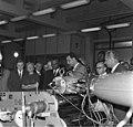 Bundesarchiv B 145 Bild-F010366-0008, Frankfurt-M., Präsident von Togo besucht Hoechst.jpg