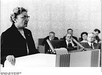 Bundesarchiv Bild 183-J0619-0208-001, Berlin, 25. DDR-Staatsratsitzung.jpg