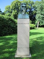 Hjalmar Branting byst