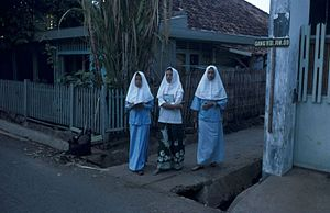 English: Female students of a Madrasah (Islami...