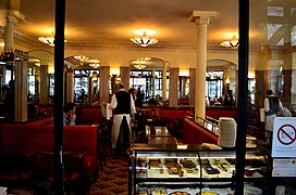 Cafe de Flore, Paris 4 June 2015.jpg