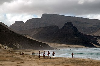 The beach of Calhau, with Monte Verde in the background, on the island of Sao Vicente Calhau.jpg