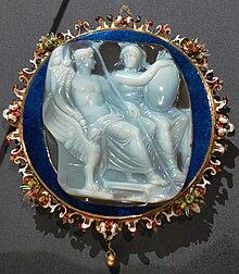 Caligula und Roma Kameo KHM IXa 59.jpg