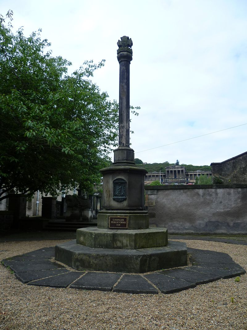 800px Canongate Burgh Cross