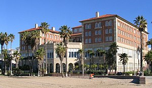 History of Santa Monica, California - Club Casa del Mar, at Pico Blvd
