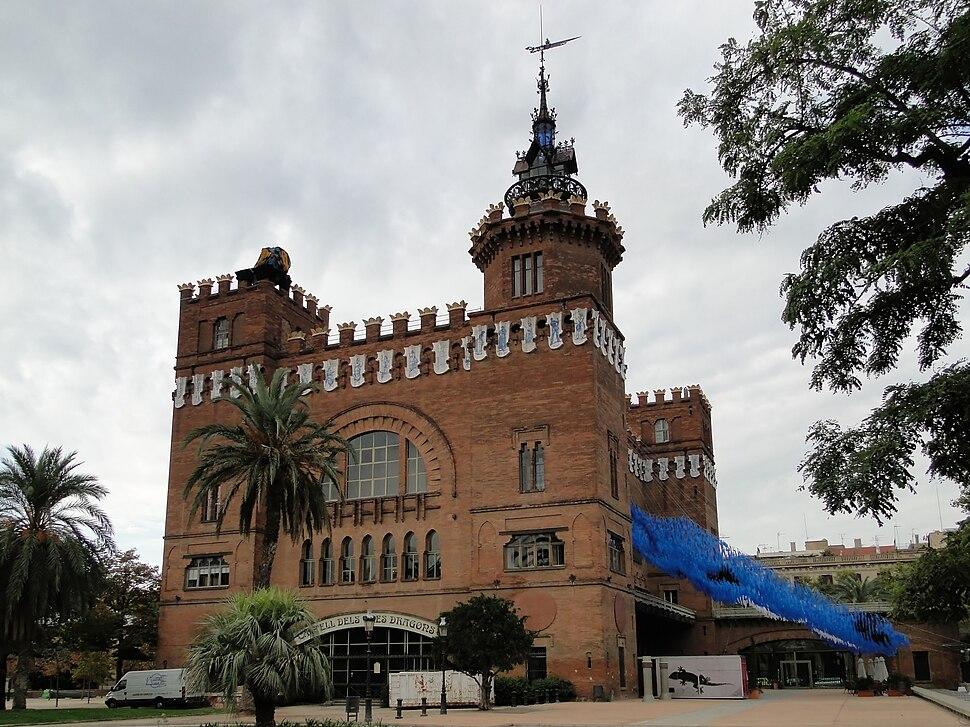 Castell dels Tres Dragons 01