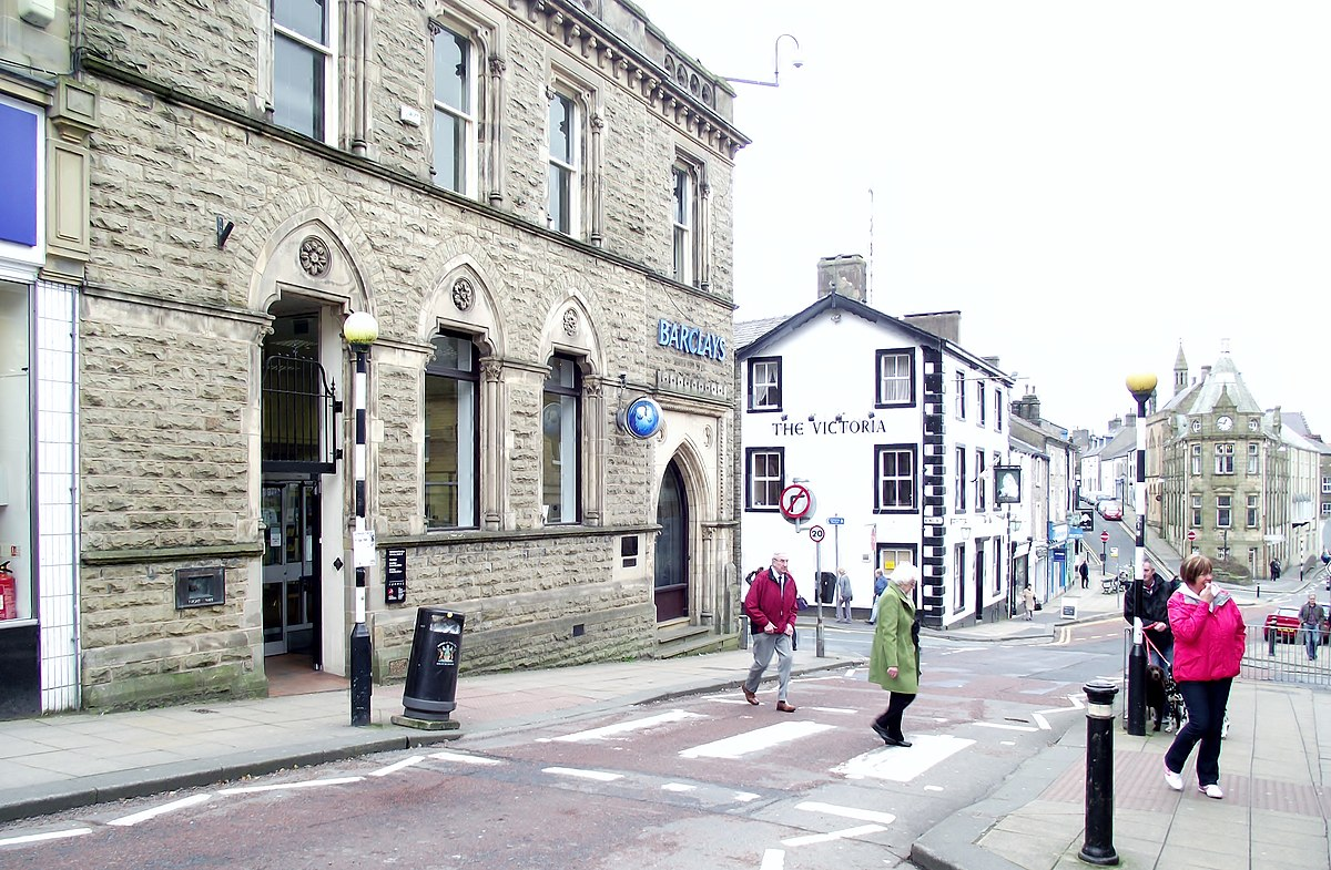 Castle Street, Clitheroe (geograph 2844845).jpg