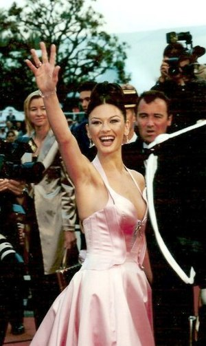 Catherine Zeta-Jones - Zeta-Jones at the premiere of Entrapment at the 52nd Cannes Film Festival in 1999