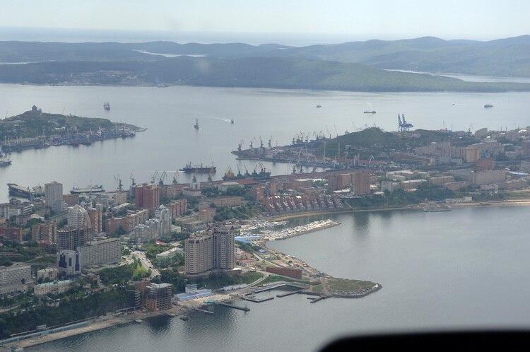 Central Vladivostok panorama 2