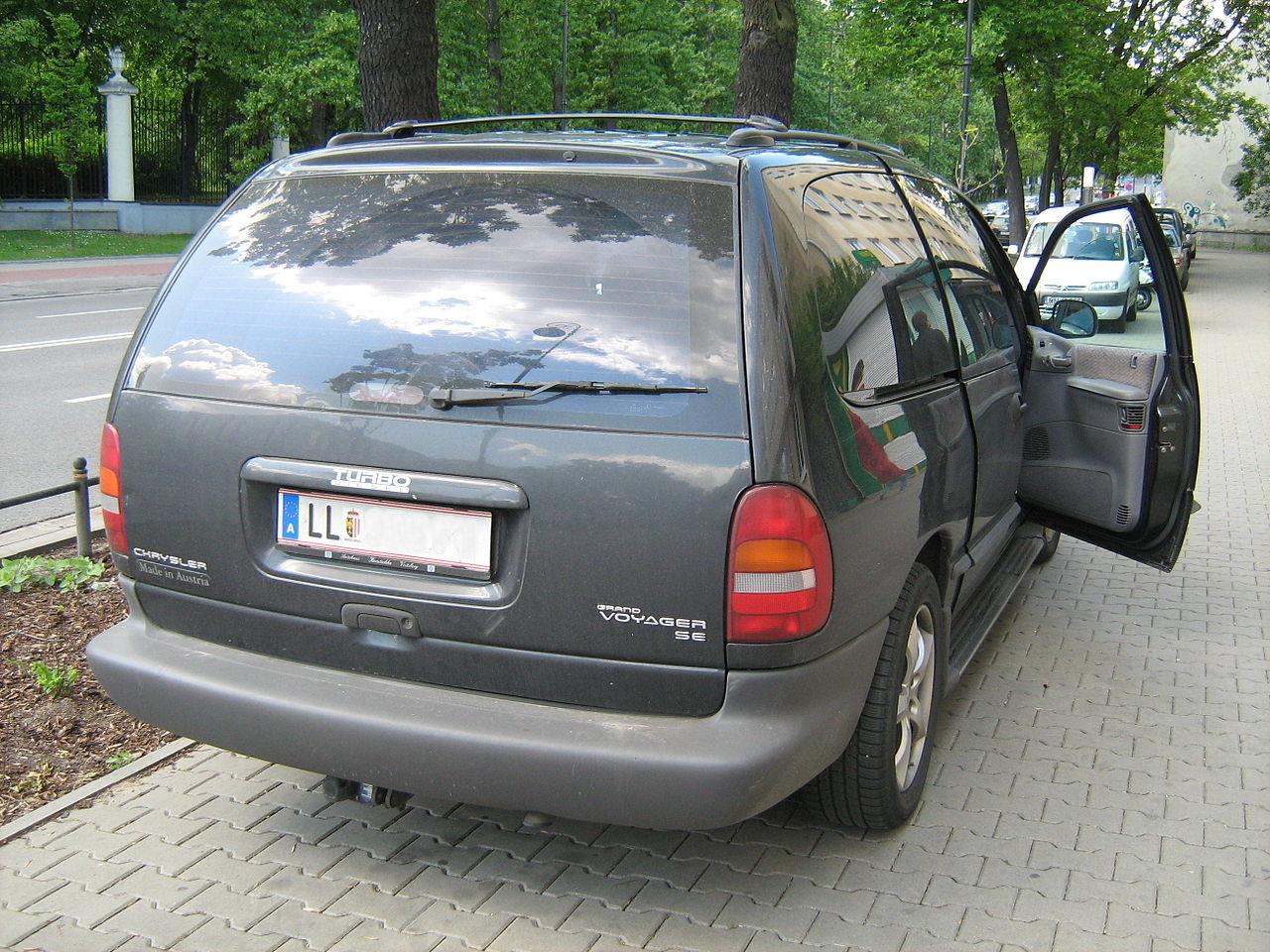 File Chrysler Voyager Diesel Turbo Made In Austria Jpg