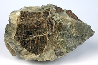 Clintonite brittle mica, phyllosilicate mineral