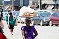 Commerçante de pain au lait.jpg