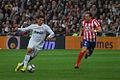 Cristiano Ronaldo y Diego Forlán.jpg