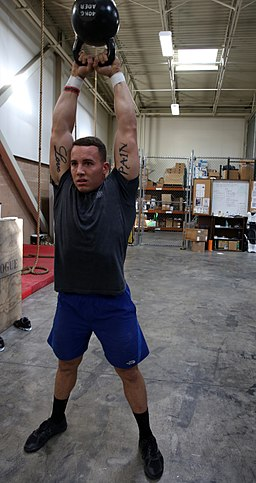 CrossFit Marine 'throws down' while training for a SoCal CrossFit competition 131206-M-OB827-135