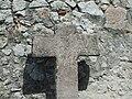 Crucifijo de piedra al lado de la basílica de Santa María del Concejo - Llanes - España - 02.JPG