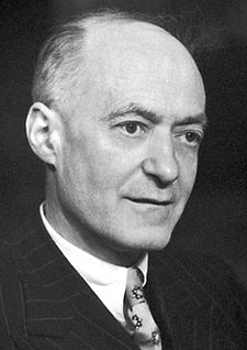 Cyril Norman Hinshelwood Nobel.jpg