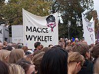 Czarny protest inicjatywy Ratujmy Kobiety 2016 10 01 w Warszawie 04.jpg