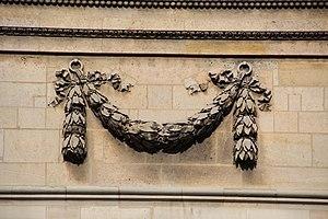 Festoon - Architectural festoon from the Panthéon in Paris