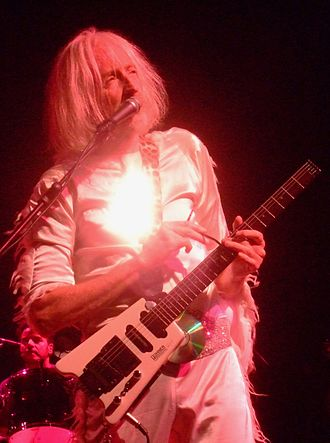 Daevid Allen - Allen performing with Gong at Zafferana, Sicily, 2009