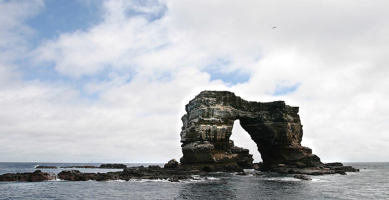 Darwins Arch, Galapagos.jpg