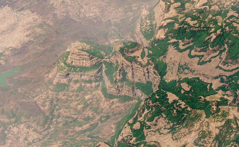 Deccan Traps Maharashtra India 22Mar2018 SkySat