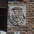 Detail poortgebouw, wapensteen, wapen van Charlotte Amélie hertogin de La tremoille, vrouw van Anton I, graaf van Aldenburg - Doorwerth - 20424083 - RCE.jpg