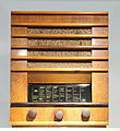 Deutsches Rundfunk-Museum Ausstellung auf der IFA 2012 PD 01 Radioempfänger Seibt 214 W, 1934.JPG